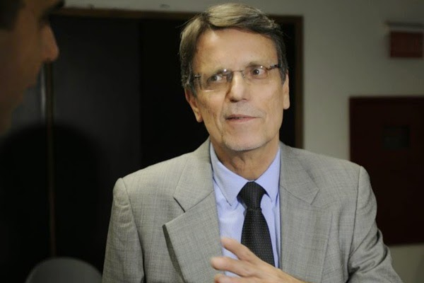 helidoile - Base e oposição criticam arrocho