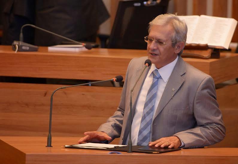 ribeiroooo - Líder do governo, Raimundo Ribeiro responde o insatisfeito PR-DF