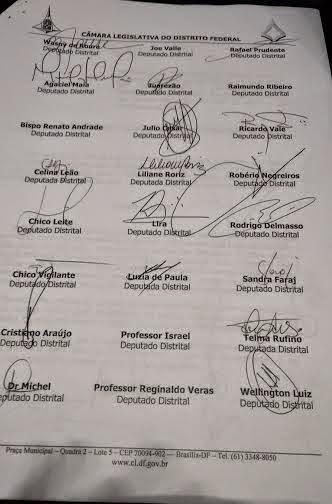mocaaao - Deputados assinam documento contra a extinção das administrações regionais