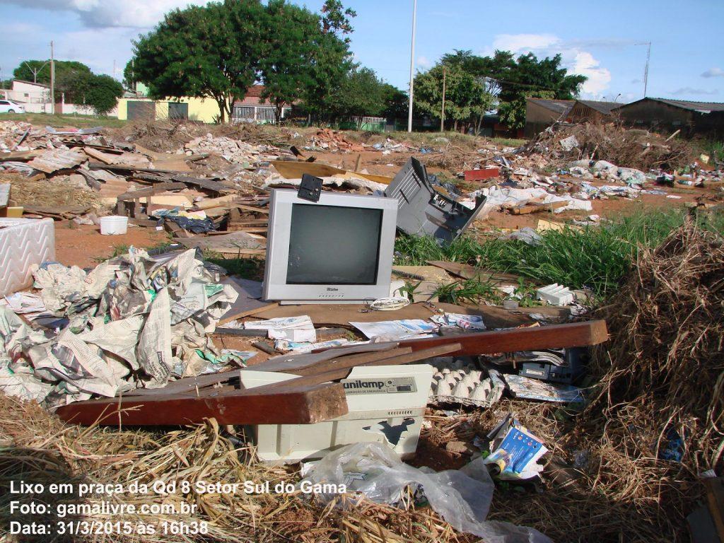 lixooo 1024x768 - Distrito Federal e os seus detritos