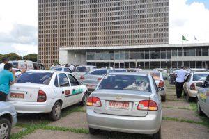 Read more about the article Autorizações de táxi vencidas na pandemia são prorrogadas