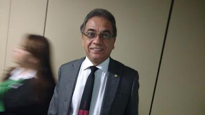 fons - Fonseca não quer saber de Dilma