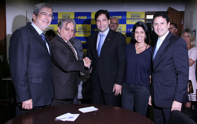 robr - PSDB-DF negocia com deputada