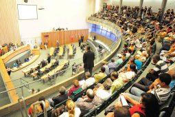 A treta está solta entre Ibaneis e Câmara Legislativa