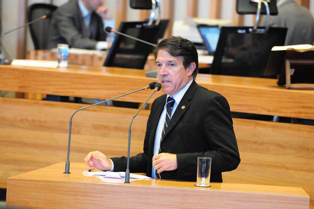 agaciel maia câmara legislativa presidência ibaneis radio corredor 1024x683 - Pega, mas não leva
