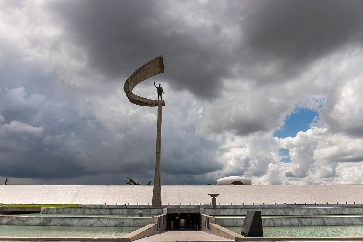 Brasília precisa ser colocada nos trilhos