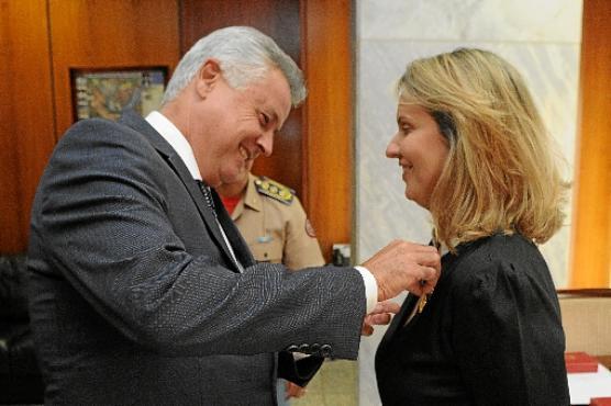 leany lemos rodrigo rollemberg radio corredor - Ex-secretária Leany Lemos de malas prontas para o Sul