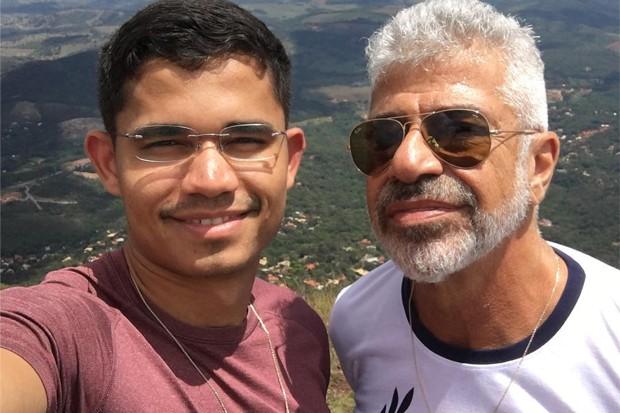 Lulu Santos assina linha de alianças para casais LGBT