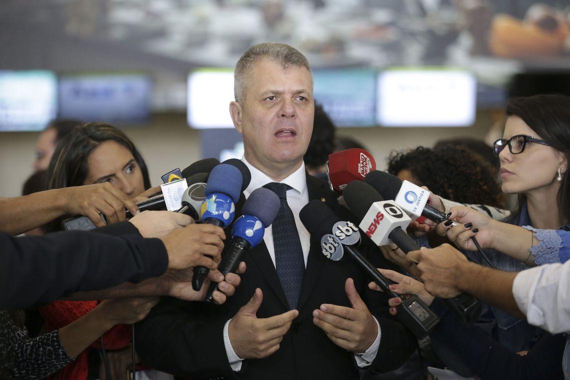 Paulo Roberto Binichesk - Governador mantém filha de promotor no GDF