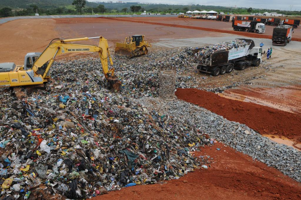 aterro sanitario samambaia lixo radio corredor - O lixo lucrativo de Brasília