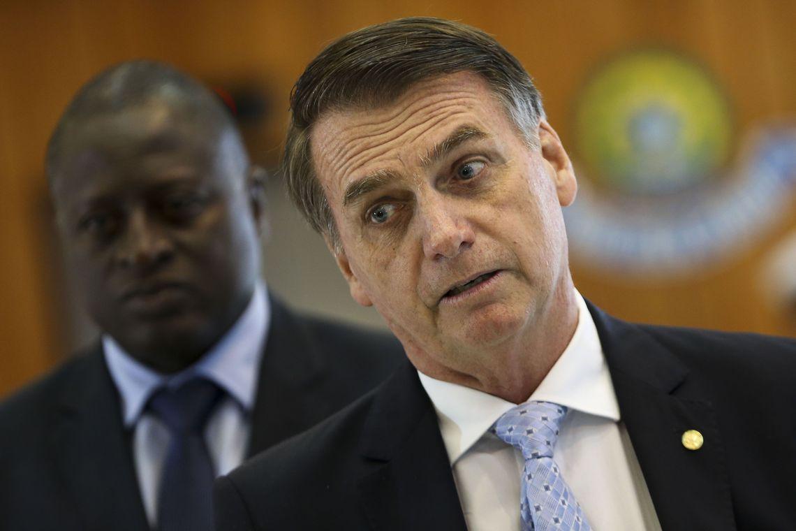 bolsonaro cidadao honorario daniel donizeti radio corredor - Ao lado de Olavo, Bolsonaro discursa para empresários nos EUA