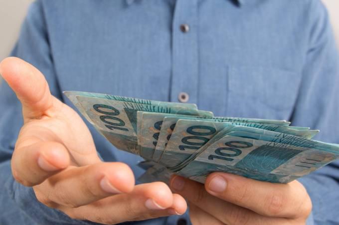 dinheiro imposto de renda restituição radio corredor - É hoje! Receita abre consulta de restituição do IR