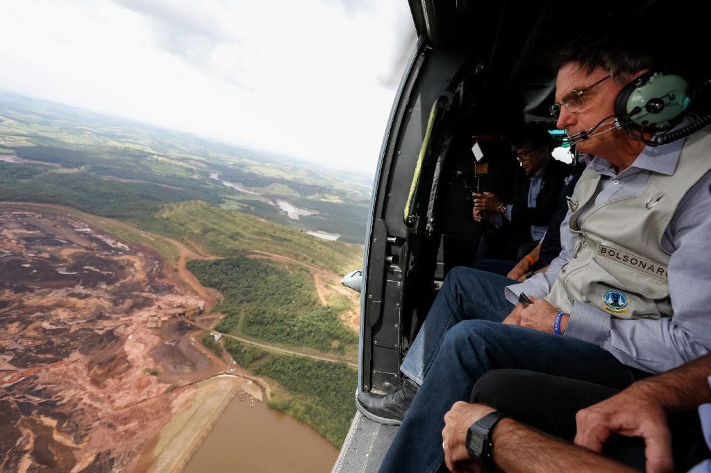 """jair bolsonaro helicoptero brumadinho radio corredor 1024x682 - O """"respeitável público"""", os políticos e o Circo do Poder"""