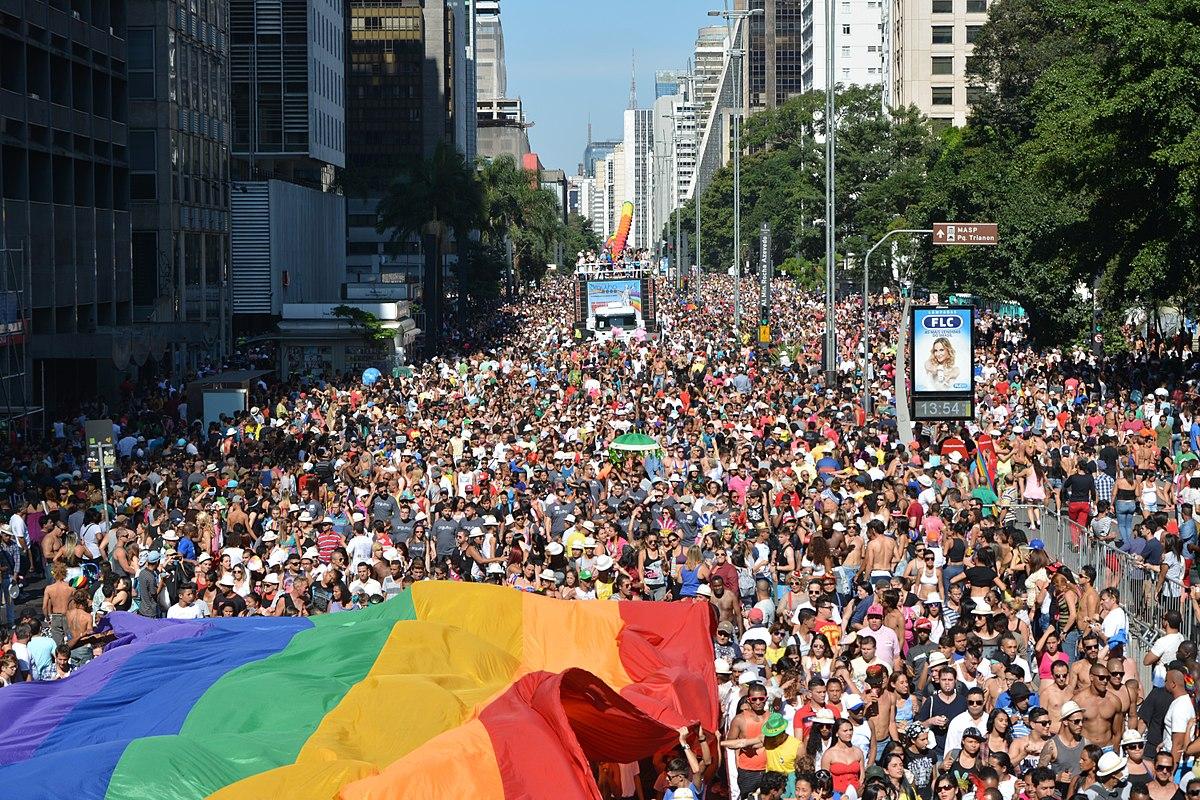lgbt direitos humanos bolsonaro radio corredor - Bolsonaro no Twitter: 'Não haverá abandono de auxílio'