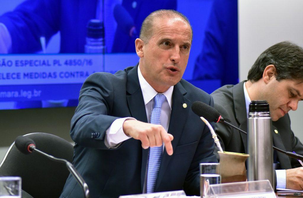 onyx lorenzoni ministro casa civil exonerações radio corredor 1024x670 - A 'despetização' já atingiu milhares de servidores