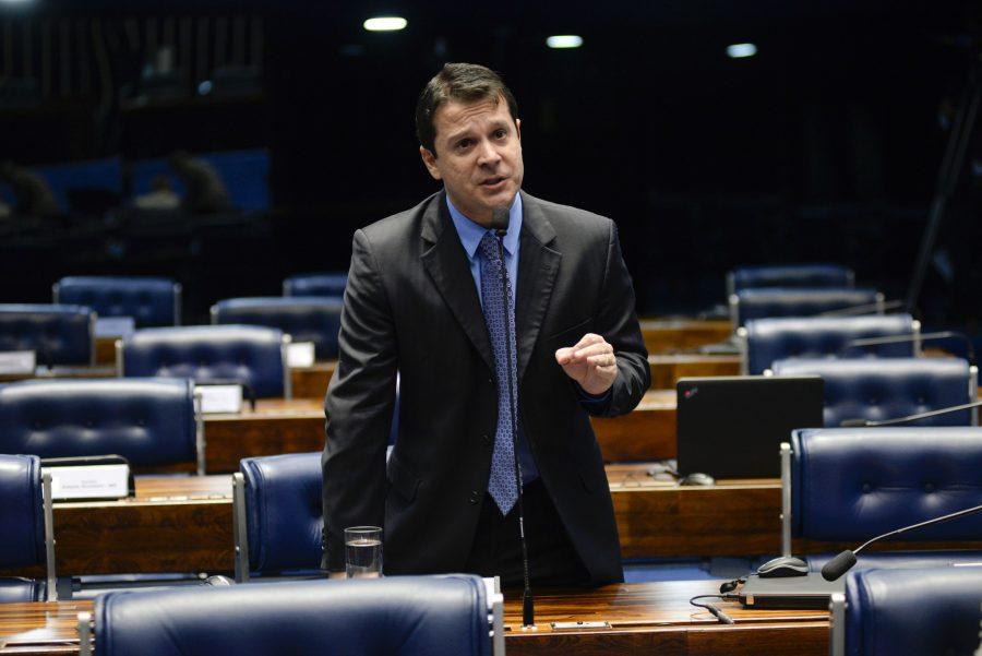 senador reguffe presidencia radio corredor - Reguffe ainda sem partido
