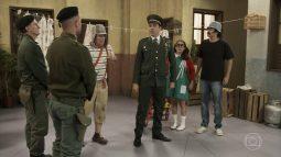 ta no ar faz parodia com bolsonaro na vila militar do chaves radio corredor 255x143 - Grupo do 'Chaves' desaprova paródia da Globo sobre Bolsonaro
