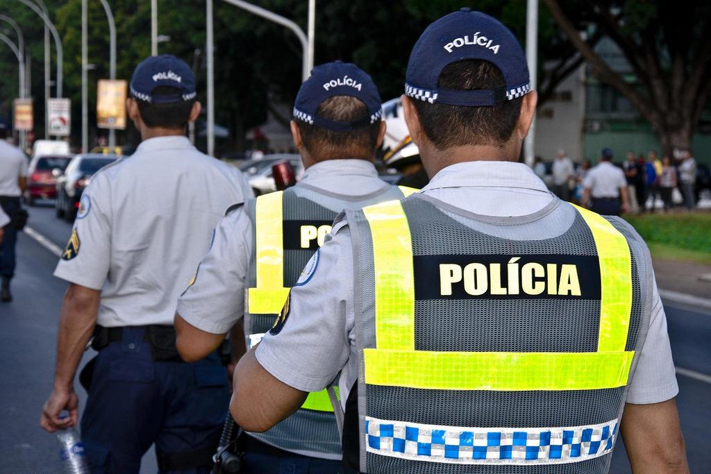 Policias se desentendem