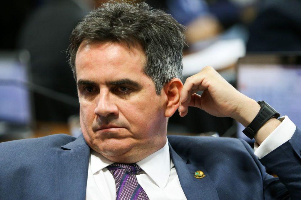 ciro nogueira pp radio corredor 1024x683 - Senador no olho do furação