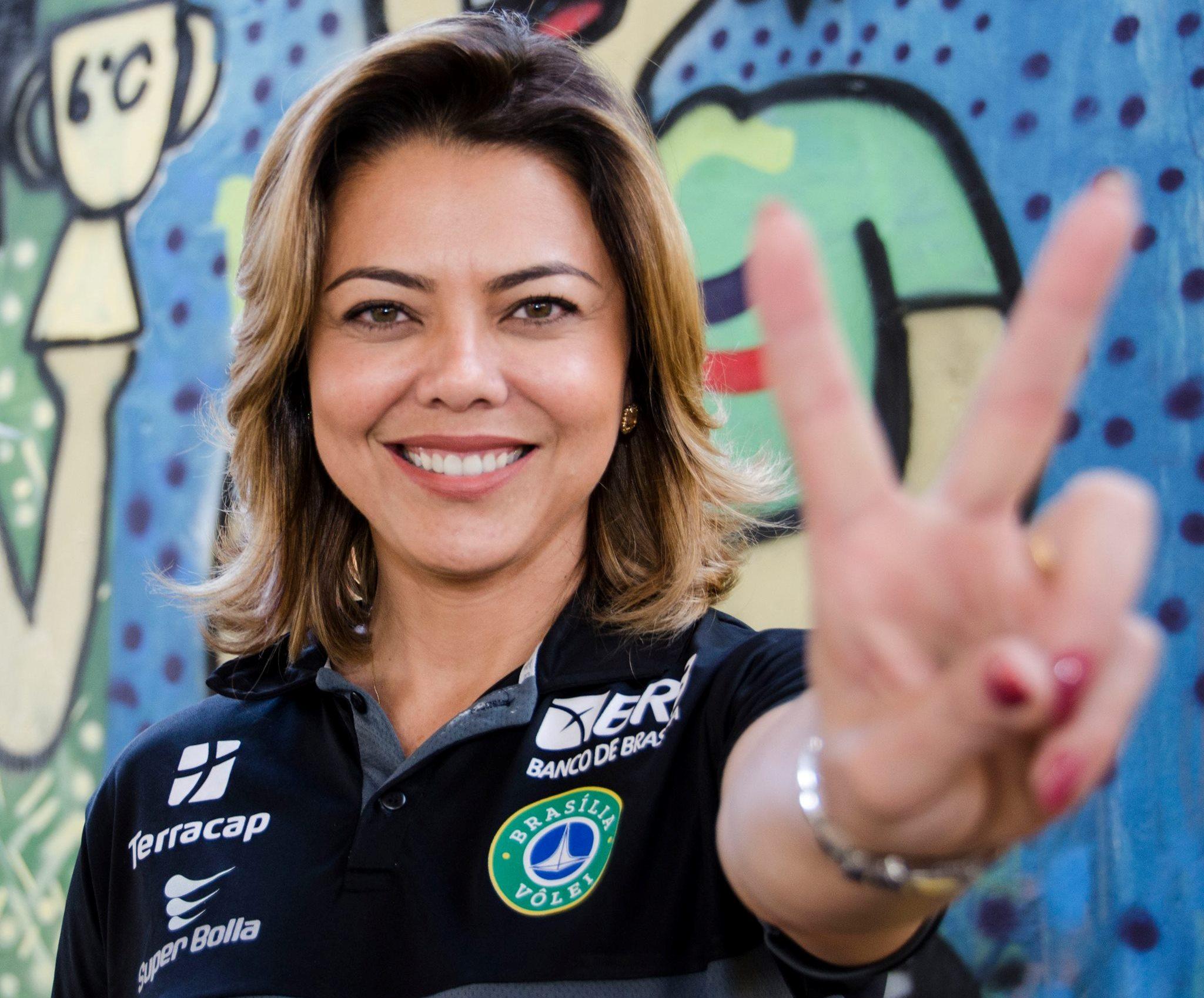 leila volei senador radio corredor - Leila vacilou e Brasília perdeu