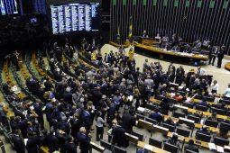 Deputados estavam escolhendo 'recado' para Bolsonaro