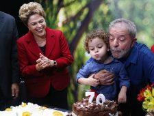 Lula pede e justiça estuda liberá-lo para enterro de neto