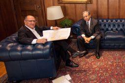 Izalci esbarra em Alckmin
