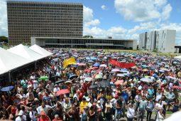 manifestacao palácio buriti servidores radio corredor 255x170 - Distrital manda direta para sindicatos