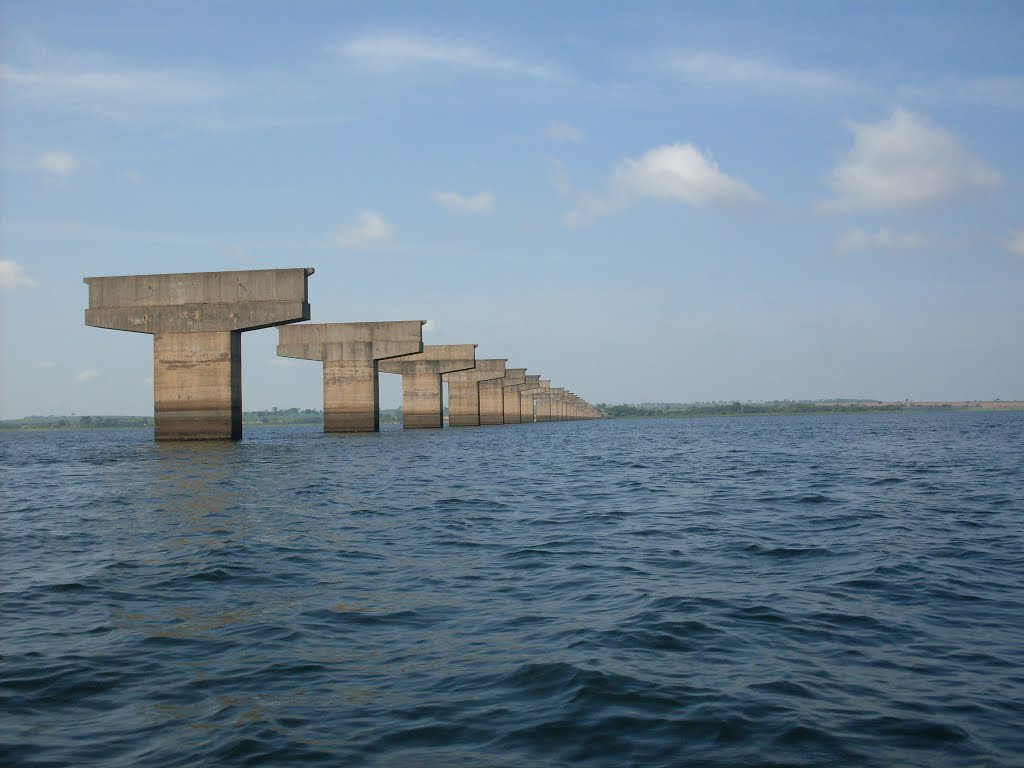 ponte inacabada radio corredor - Número absurdo de obras inacabadas