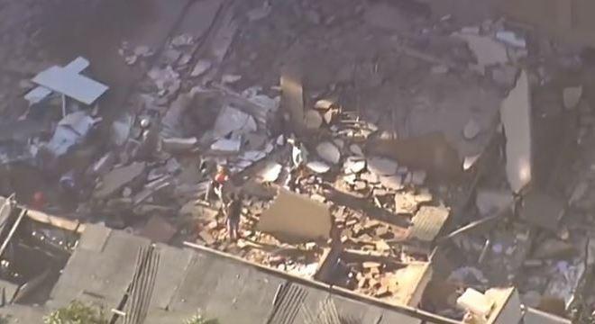 Quinze mortes no Rio (Foto: Reprodução TV Record)