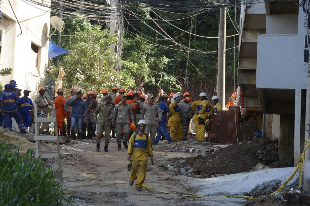Última vítima desaparecida encontrada (Foto: Tânia Rego/Agência Brasil)