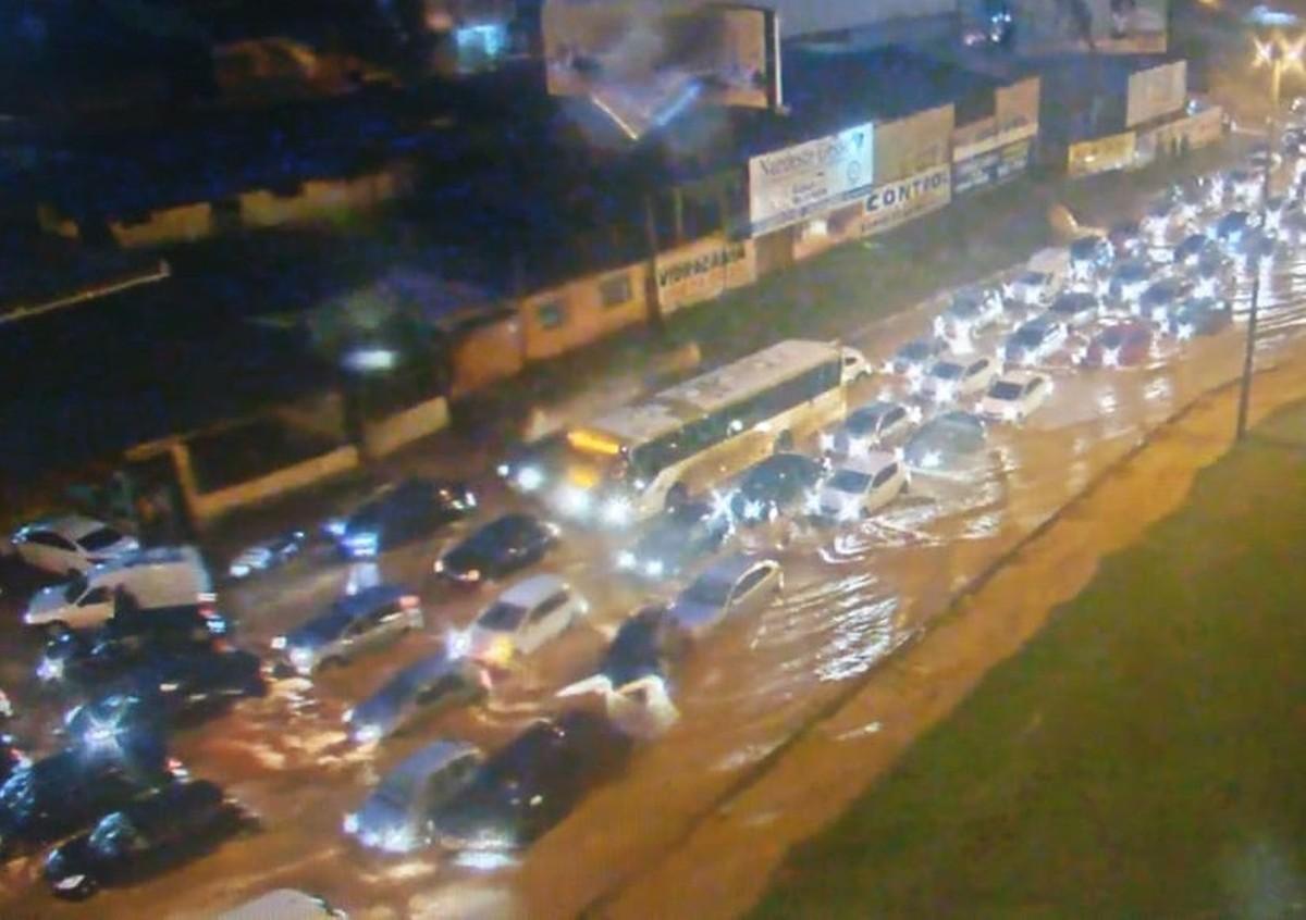 chuva vicente pires estragos radio corredor - Ibaneis convoca reunião urgente