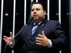 Júlio contra medida de Bolsonaro