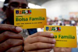 bolsa familia 255x170 - Bolsa Família: Bolsonaro anuncia 13º para beneficiários
