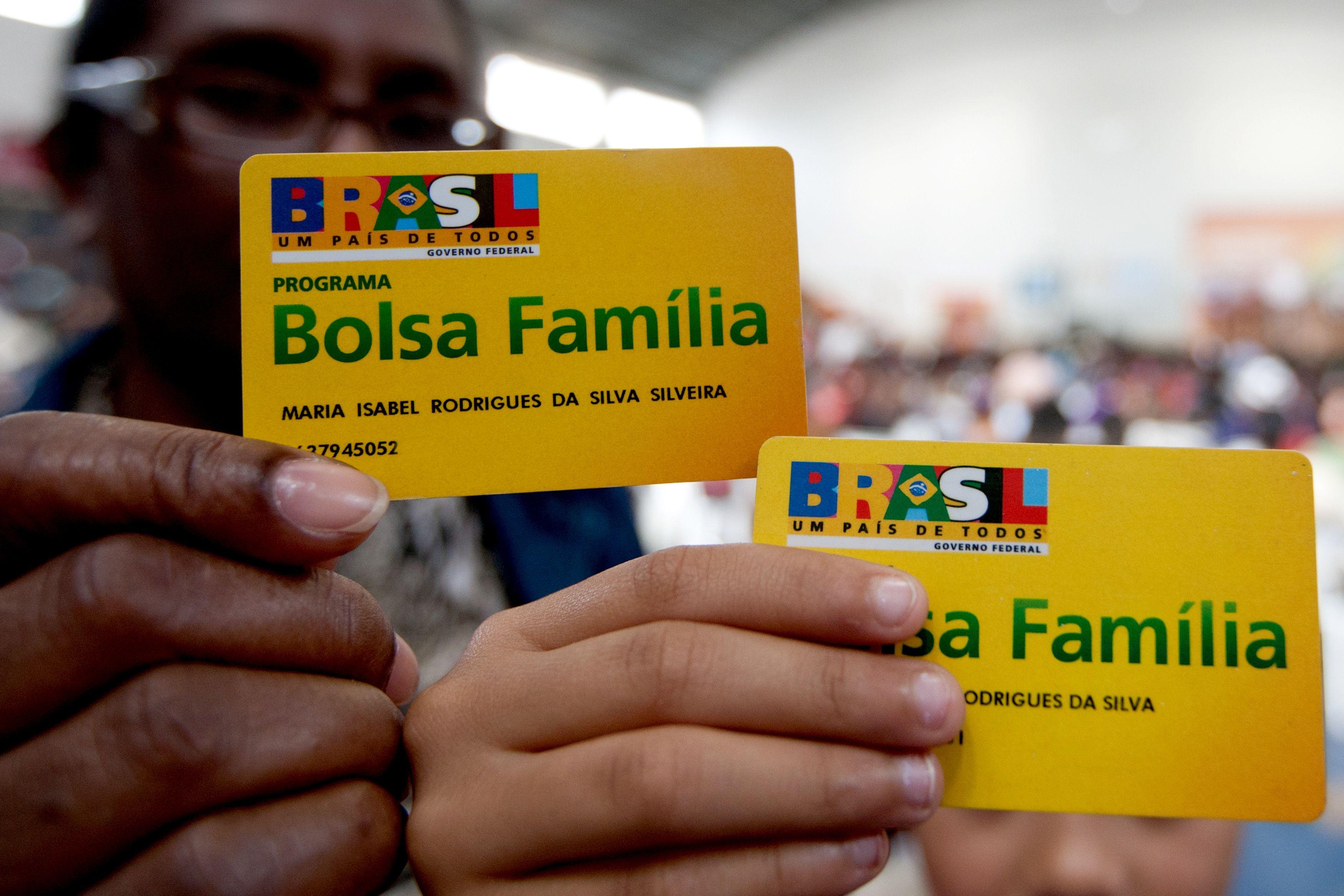 Bolsa Família: Bolsonaro anuncia 13º para beneficiários