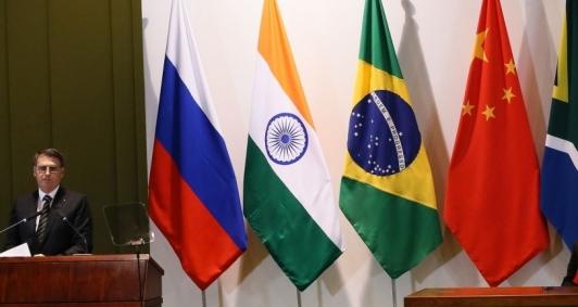 Brasil entrega presidência do Brics