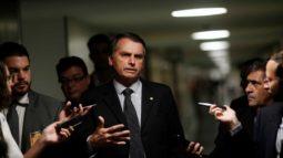 Bolsonaro nega troca de ministros