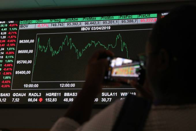 bovespa fecha - Brasil atinge menor nível risco-país desde 2010