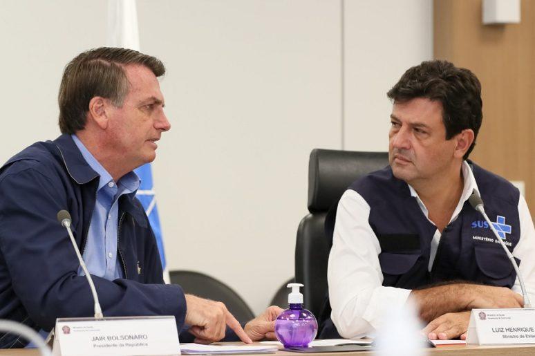 Bolsonaro deve demitir Mandetta ainda nesta segunda (6), diz jornal