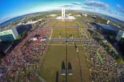 Atos agitam Brasília