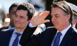 """Read more about the article Bolsonaro chama acusação de Moro sobre a PF de """"caluniosa"""""""