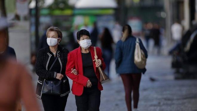 Pessoas com máscara - Liminar é negada