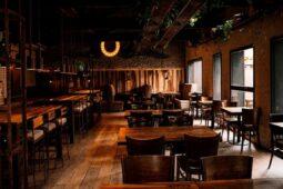 Bares e restaurantes devem reabrir dia 25
