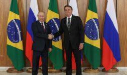 Bolsonaro e Putin conversam sobre cooperação no combate à Covid-19