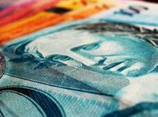 Bolsonaro sanciona lei do salário-mínimo