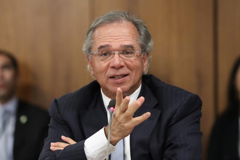 Read more about the article Economia na pandemia: Guedes cita criação de 'seguro-emprego'