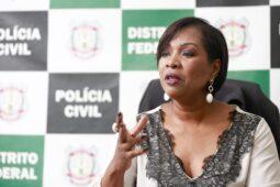 Read more about the article Manifestação contra saída de delegada