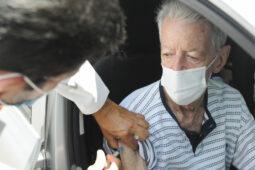 Read more about the article Brasília começa a vacinar idosos acima de 76 anos