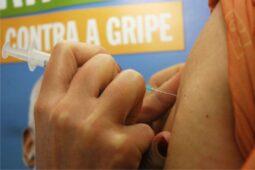 Read more about the article Vacinação contra gripe começa hoje