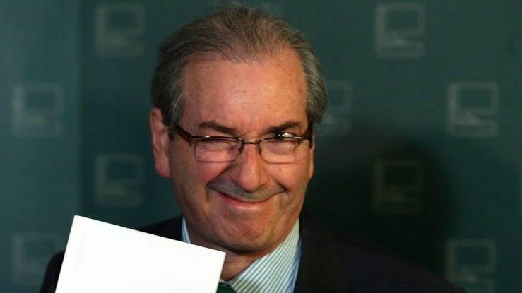 Read more about the article De volta ao jogo político